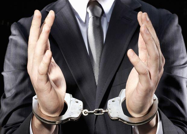 В каком случае приставы могут арестовать счета просрочка кредита сетелем