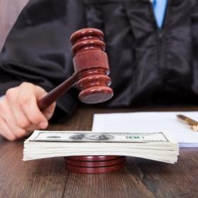 Банк подал в суд: что делать. Процедура в деталях, возможные решения, советы